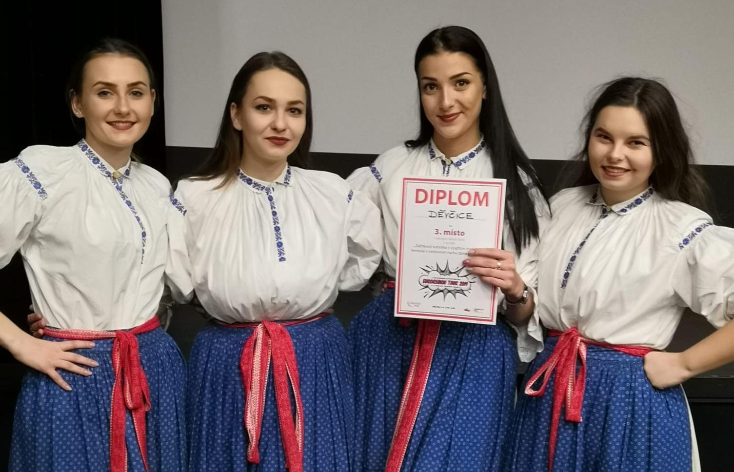 """Náš soutěžní tým """"Děvčice"""" vybojoval 3. místo v republice."""