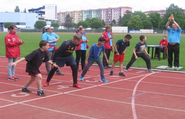 Na atletickém stadionu změřily síly děti z dětských domovů