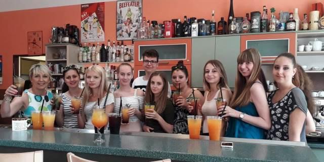 Den míchaných nápojů