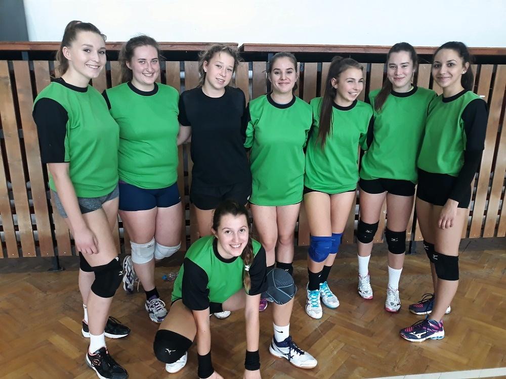 Volejbalové družstvo děvčat